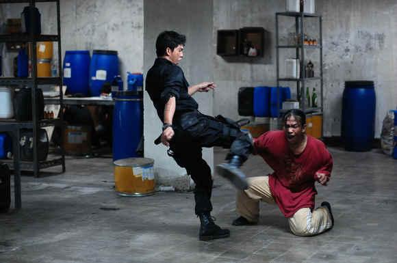 serbuan-maut-The_Raid_Redemption-fight