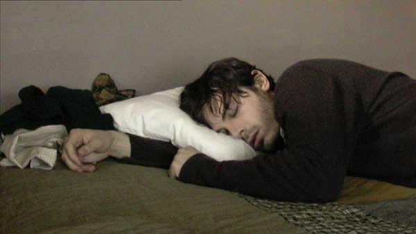 Jim spava