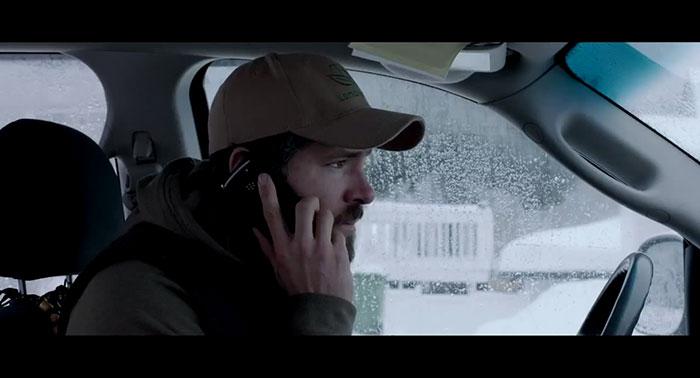 Film-captive-covek auto telefon